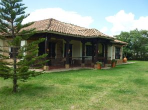 <span style='color:#b5914f'>Venta Casa – Finca Nubia</span> - COP$950.000.000