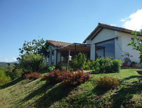 <span style='color:#b5914f'>Venta Casa Lucía</span> - COP$650.000.000
