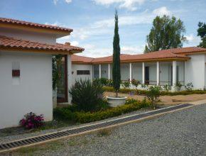 <span style='color:#b5914f'>Venta casa E. Barón</span> - COP$3.800.000.000