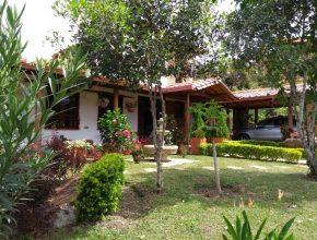 <span style='color:#b5914f'>Venta Casa de Campo Barichara</span> - COP$900.000.000