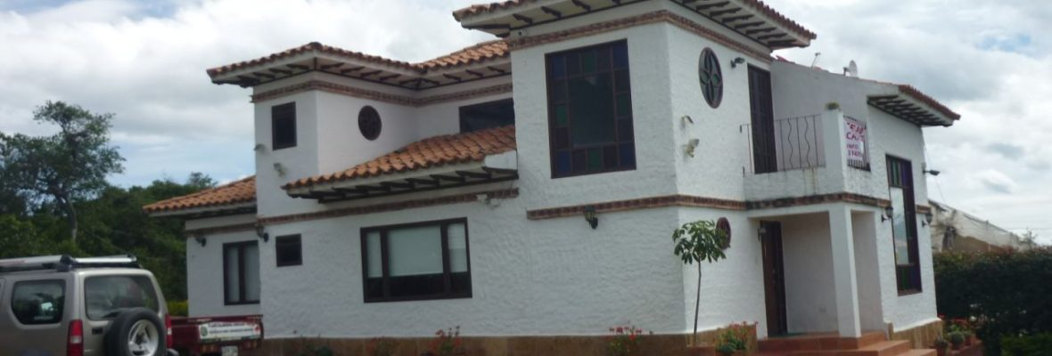 <span style='color:#b5914f'>Venta casa Daniel Sta Sofía</span> - COP$490.000.000