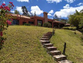 <span style='color:#b5914f'>Casa Alberto M</span> - COP$990.000.000