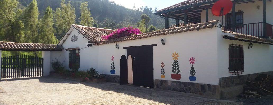 <span style='color:#b5914f'>Venta Hotel en Iza Boyacá</span> - COP$780.000.000