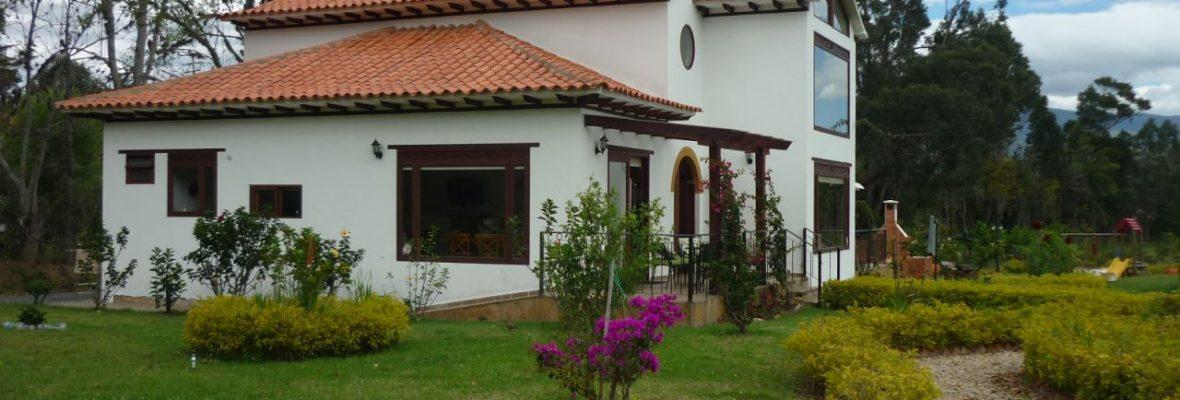<span style='color:#b5914f'>Venta casa campestre La Gloria</span> - COP$1.580.000.000